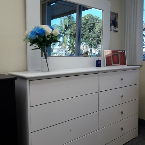 New 8 Drawer Dresser Very spacious and Good Quality