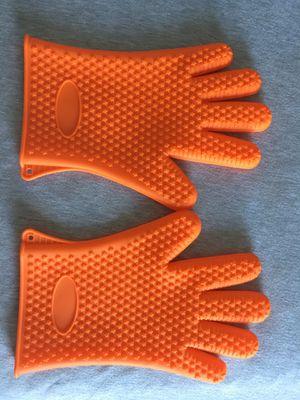 Kitchen silicon gloves for Sale in Miami, FL