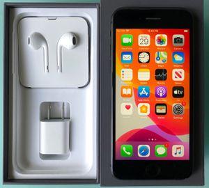 iPhone 8 64GB unlocked for Sale in Miami Beach, FL