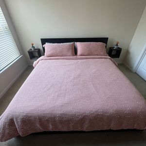 King Bed Frame And Drawers( Bed Not Included ) for Sale in Chesapeake, VA