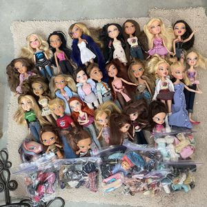 BRATZ dolls!!! Huge Selection With Clothing And Accessories!!! for Sale in Temecula, CA
