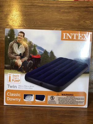Intex twin air mattress for Sale in Palmdale, CA