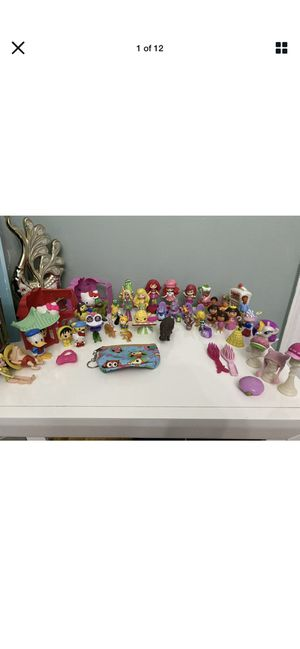 Dora The Explorer, Strawberry, Hello Kitty Lot Of More Than 50 Pieces Wallet for Sale in Brooklyn, NY