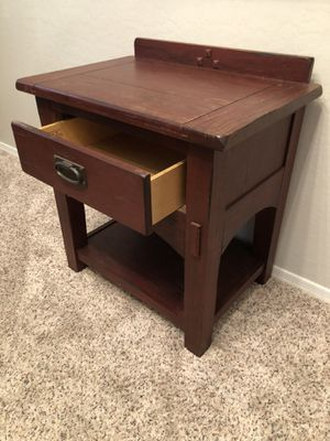 Gorgeous solid cherry wood Side table by Broyhill for Sale in Gilbert, AZ