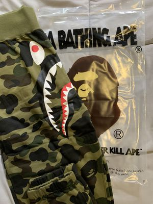 BAPE green camo joggers/sweatpants (L) for Sale in Brookline, MA