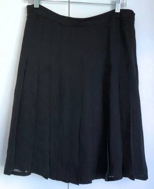 new BURBERRY silk pleated skirt Italy size 42 black for Sale in Seattle, WA