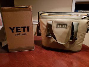 Yeti cooler hopper two 20 for Sale in Atlanta, GA
