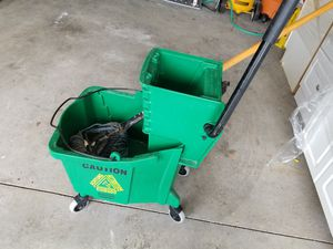Industrial mop bucket with mop for Sale in Brunswick, OH