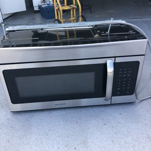 Frigidaire Microwave for Sale in Sun City Center, FL