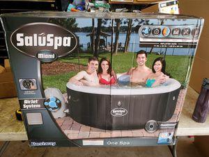 BRAND NEW SALUSPA MIAMI PORTABLE HOT TUB for Sale in Dyer, IN