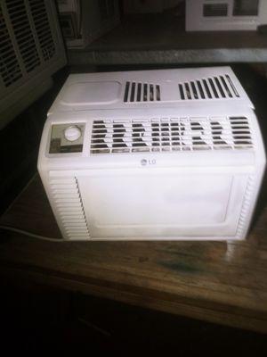 Air Conditioner window unit AC for Sale in Phoenix, AZ