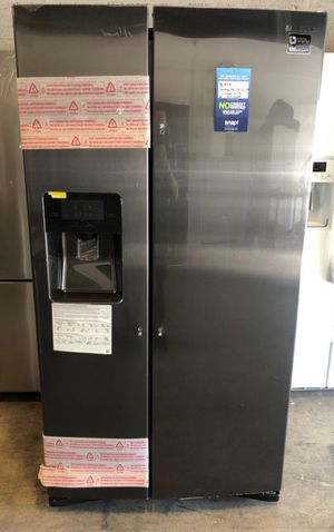 Samsung 24.5 cu. ft. Side-by-Side Refrigerator in Fingerprint Resistant Black Stainless take home with 1 year warranty for $40 down EZ financing for Sale in Miami, FL