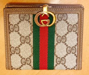 New Authentic Gucci GG Monogram Flip Wallet for Sale in Algonquin, IL