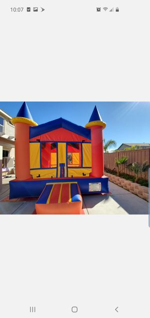 Jumpers, tables, chairs, tablecloths, chaircovers, canopies and more! for Sale in Lake Elsinore, CA