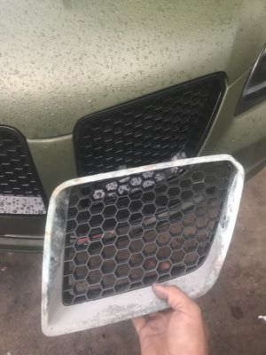 Pontiac g8 upper driver grill for Sale in Lakeland, FL