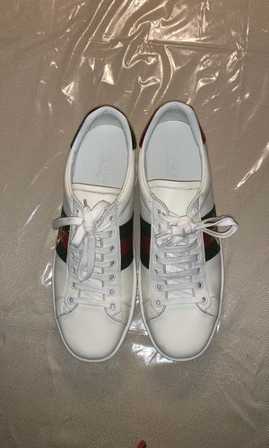 Authentic Gucci New Ace Bee Sneakers size 42 for Sale in Vienna, VA