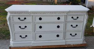 Mahogany Triple Dresser for Sale in Simpsonville, SC