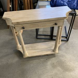 Beautiful Entry Table With Storage Drawer for Sale in Seattle, WA