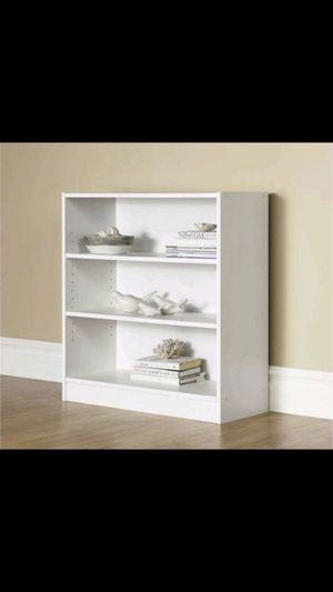 "Mainstays 32"" 3-Shelf Wide Bookcase, White for Sale in River Rouge, MI"