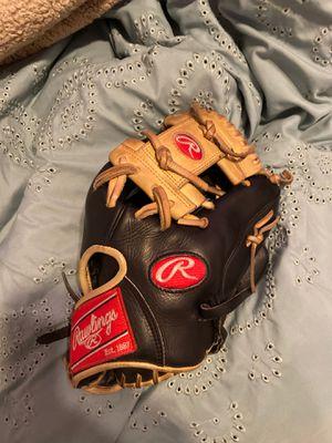 Baseball Glove for Sale in Stratford, CT