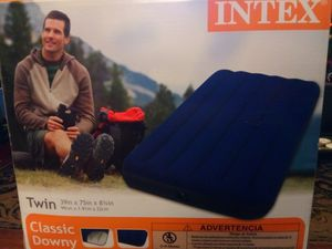 Intex twin air mattress. for Sale in Lakeland, FL