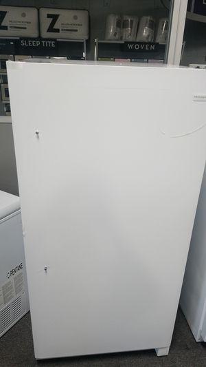 Frigidaire 13.8 cu. ft. Upright Freezer for Sale in Dearborn, MI