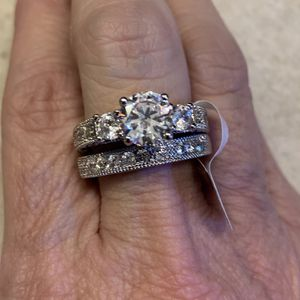 New 2 Piece CZ Sterling Silver Wedding Rings Size 9 for Sale in Palatine, IL