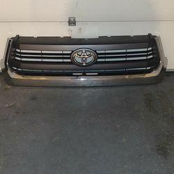 Toyota Tundra SR5 '14-18 grill for Sale in Tacoma,  WA
