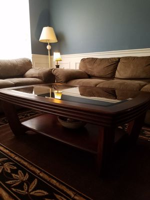 Coffee table and two side table set for Sale in Manassas, VA