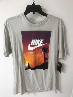 Nike shirt for Sale in Manassas, VA