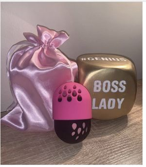 Makeup Beauty Blender Case for Sale in Silver Spring, MD