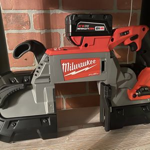 MILWAUKEE M18 FUEL BANDSAW W 5.0 BATTERY BRAND NEW for Sale in Virginia Beach, VA