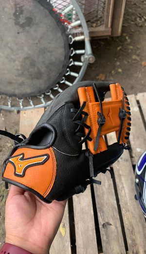 Softball/baseball glove for Sale in Houston, TX