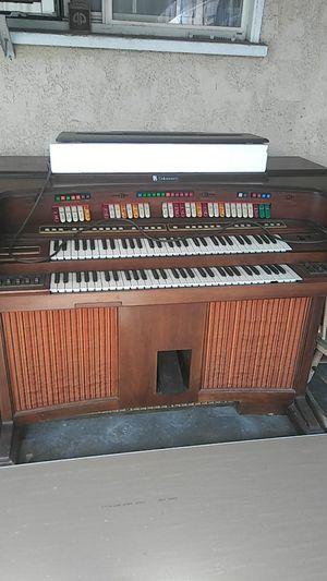 Organ works perfectly for Sale in El Monte, CA