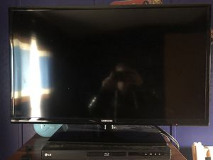 """Samsung 32"""" TV for Sale in US"""