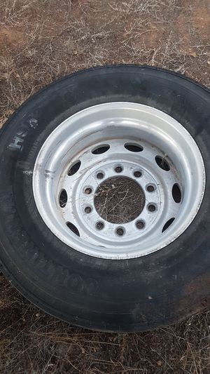 22-5 aluminum buds with tires. Tires about 3 years old for Sale in Vernon, AZ
