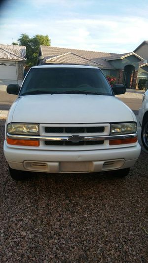 2002 Chevy Blazer with 170,000 MI so asking 2000 2500 Louis Argo S5 2000 runs great AC the only thing it needs just tags for Sale in Phoenix, AZ