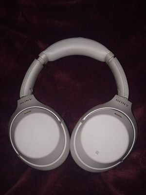 Sony wh1000xm3/b perfect condition beautiful sound for Sale in Federal Way, WA