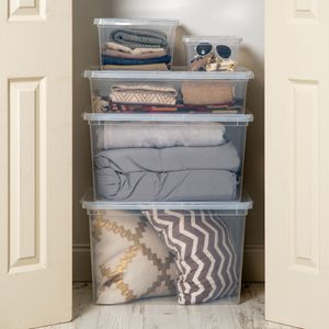 5-Piece Closet Organization Kit, Clear (2 lids little broken) for Sale in Houston, TX