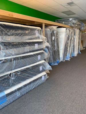 Tons of Mattresses, must go! for Sale in Peoria, IL