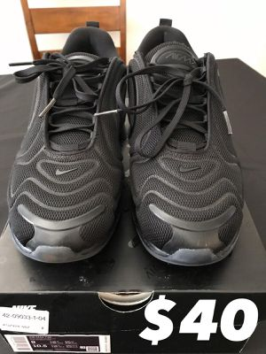 Airmax 720 size 9 Men for Sale in Los Angeles, CA