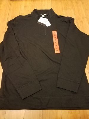 Calvin Klein sweater size M for Men for Sale in Lynwood, CA