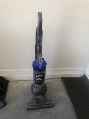 Dyson ball vacuum for Sale in Riverview, FL