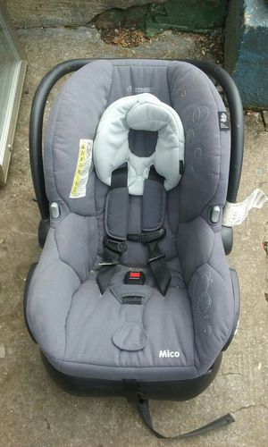 Maxi cosi grey modern infant car seat for Sale in Atlanta, GA