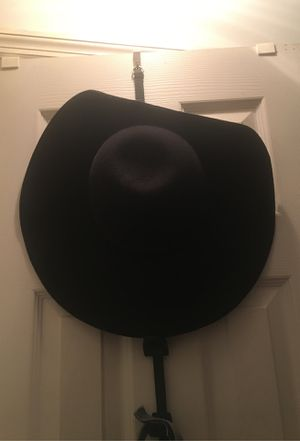 Hat and Size 10 Boots for Sale in Port St. Lucie, FL