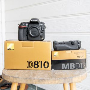 Nikon D810 with Nikon grip for Sale in Garland, TX