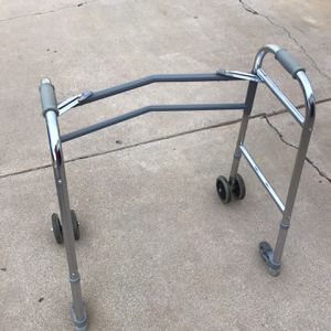 WAKER GOOD CONDITION for Sale in Glendale, AZ