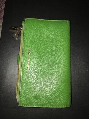 Michael kors wallet for Sale in Fairfield, CA