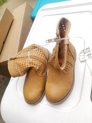 Tan girls boots for Sale in Charlotte, NC