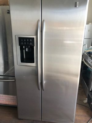 GE PROFILE COUNTER DEPTH STAINLESS STEEL SIDE BY SIDE for Sale in Mission Viejo, CA